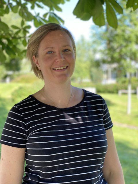 Kristin Svarva er fysioterapeut og kiropraktor i tillegg til å være yogainstruktør.